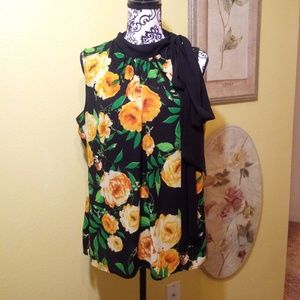 NY&CO black and yellow floral tank top blouse.